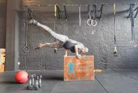 Hamil Besar Tak Halangi Perempuan Swedia Ini Lakukan Olahraga Ekstrem, Lihat Foto-Fotonya Bikin Ngilu!