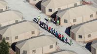 Anak-Anak yang Dipisahkan dari Orang Tua, Menangis dalam Kesedihan di Perbatasan AS
