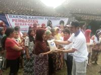 Perindo Bojonegoro Bagikan 250 Paket Beras ke Masyarakat Tak Mampu