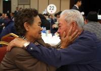 Korut dan Korsel Bertemu untuk Bahas Reuni Keluarga yang Terpisah oleh Perang