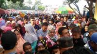 Puluhan Ribu Massa Padati Kampanye Akbar Pasangan Nalim-Khafid