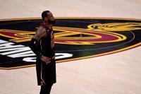 LeBron James Resmi Gabung Lakers