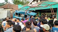 Dump Truck Tabrak 5 Kendaraan di Bogor, 2 Tewas