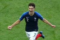Tottenham Hotspur Incar Bek Timnas Prancis