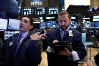 Wall Street Bergerak 2 Arah di Tengah Laporan Laba Emiten