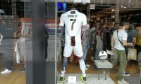 Bukti Publik Kota Naples Cinta Cristiano Ronaldo