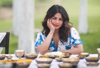 7 Foto Ini Buktikan kalau Priyanka Chopra Hobi Kulineran