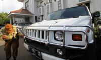 Mobil Aset First Travel Sempat Hilang, DPR: Jangan Buat Korban Tambah Emosi