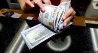 Dolar AS Melemah Dipicu Cuitan Trump soal The Fed