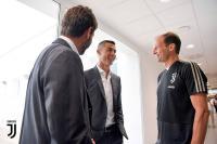 Rp3,39 Triliun Tak Cukup bagi Madrid untuk Datangkan Pemain Pengganti Ronaldo