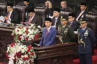 Celetukan Ketua DPR Sebut Nama Mahfud MD Sebelum Pembacaan Doa Bikin Jokowi Tertawa