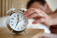 Mematikan Alarm dan Kembali Tidur Membuat Tubuh Lemas