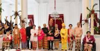 Kenakan Pakaian Adat di HUT ke-73 RI, Jokowi Tebar Pesan Persatuan
