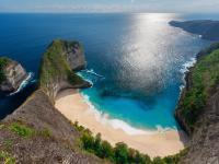Jangan Ngaku Traveler jika Belum Singgahi 5 Pantai Indah di Indonesia Ini