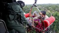Banjir di Kerala, India, Ribuan Terperangkap