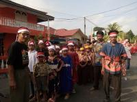 Melirik Keterbatasan Anak Suku Anak Dalam saat Memeriahkan HUT Kemerdekaan