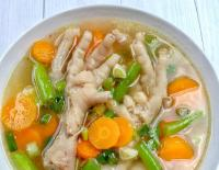 Makan Malam Makin Nikmat dengan Ayam Nanas Paprika dan Sop Ceker Ayam