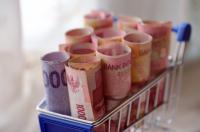 Kuatkan Rupiah, Pengusaha di Surabaya Tukarkan Dolar AS