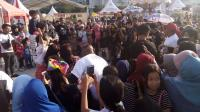 Penasaran Jajal Mitsubishi XPANDER, Warga Padati XPANDER Tons of Real Happiness di Makassar