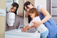 Kapan Waktu Tepat Suruh Anak-Anak Cuci Tangan Pakai Sabun?