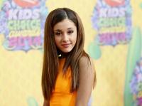 Putus Cinta, Ariana Grande Dapat Dukungan Keluarga