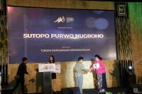 Sutopo BNPB Dianugerahi 2 Penghargaan oleh Kominfo
