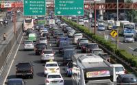 Senin Pagi, Lalu Lintas Tol TMII-Cililitan dan Cawang-Tebet Terpantau Padat