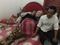 Derita Supinah, Dua Tahun Menahan Sakit Perutnya Terserang Tumor Ganas
