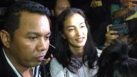 Diperiksa 4,5 Jam Terkait Hoaks Ratna Sarumpaet, Atiqah Hasiholan Bungkam