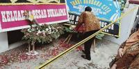 Duka Teman dan Guru Sekolah Anak Korban Pembunuhan 1 Keluarga di Bekasi