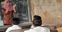 Penelitian Internasional Sebut Guru Indonesia Bergaji Rendah Namun Dihormati