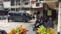 Ratusan Anggota Komite Nasional Papua Barat Ditangkap Polisi