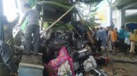 Detik-Detik Truk Hantam Mobil dan Motor hingga Tewaskan 4 Orang di Bumiayu