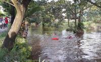 Siswa SMP Pekanbaru Hilang Terseret Banjir