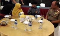 Suasana Haru Selimuti Pertemuan Korban Selamat Pembantaian KKB dengan Keluarga di Bandung
