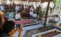 Jokowi Ziarah ke Makam Gus Dur