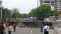 Jalan Gubeng Ambles, Pemkot Surabaya Hentikan Pembangunan <i>Basement</i> RS Siloam