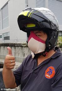 Viral Pengendara Gunakan Bra sebagai Masker, Ini Kata Pakar Keselamatan
