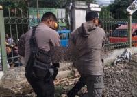 Nekat Terobos Perlintasan Kereta, Dua Pria Tewas Tertabrak KRL di Depok