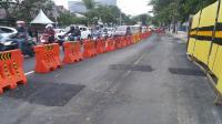 Usai Ambles, Kini Jalan Raya Gubeng Retak