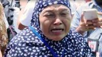 Bisa Salaman dengan Jokowi, Ibu Dedeh Tak Kuasa Tahan Tangis