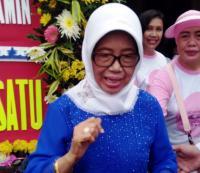 Saat Ibunda Jokowi Gelar Pengobatan Gratis di Depan Markas BPN Prabowo-Sandi