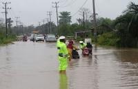 Sulsel Masih Dilanda Cuaca Ekstrem, Warga Diimbau Waspada Banjir & Longsor