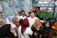 Nikmati Pempek di Palembang, Hary Tanoe: UMKM Butuh Dukungan Pemerintah