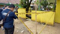 Puslabfor Bareskrim Polri Gelar Olah TKP Lokasi Ledakan Granat di Bogor