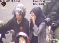 Viral Pelajar Tak Pakai Helm Ditegur Lewat Pengeras Suara, Sindirannya <i>Makjeb</i>