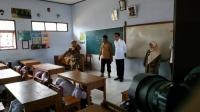Jokowi Tinjau Simulasi Siaga Bencana Siswa SD di Pandeglang