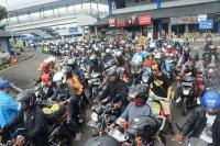 Dibuka Kembali Usai Nyepi, Pelabuhan Ketapang Langsung Penuh