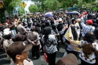 1.500 Guru di Pekanbaru Tahlilan agar Hati Wali Kota 'Luluh' Bayarkan Tunjangan