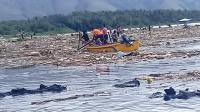 Danau Sentani Meluap Sebabkan Sampah dan Jenazah Hanyut